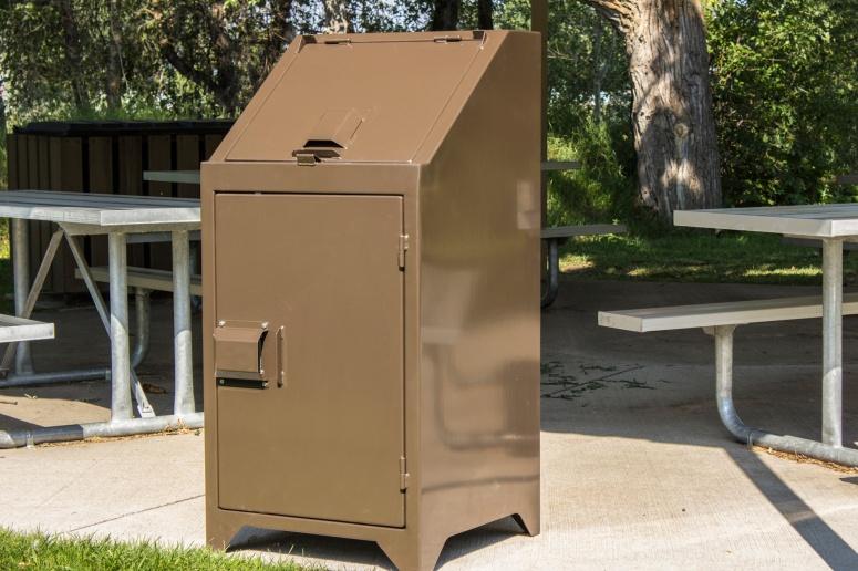 bear-resistant-trash-can-IMG_4934.jpg