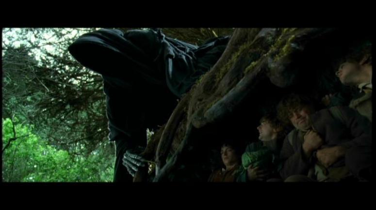 Hobbits-hide-from-a-black-rider.jpg