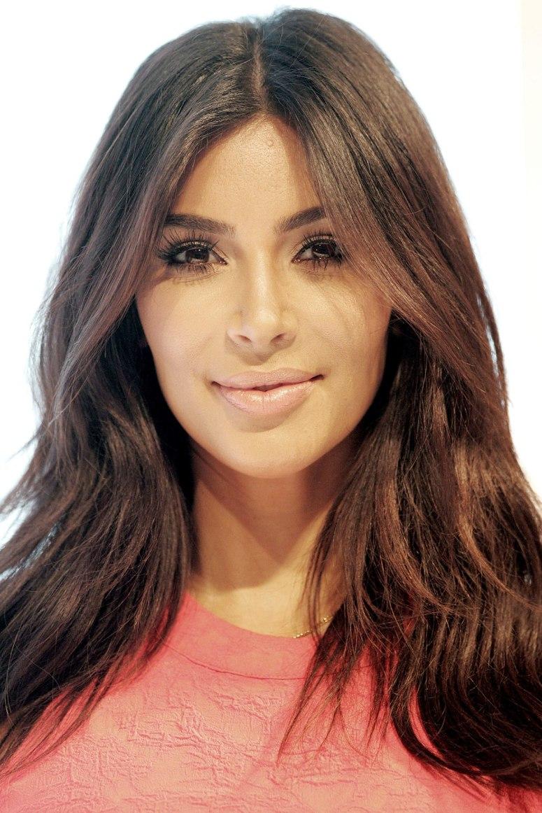1200px-Kim_Kardashian_West_2014.jpg