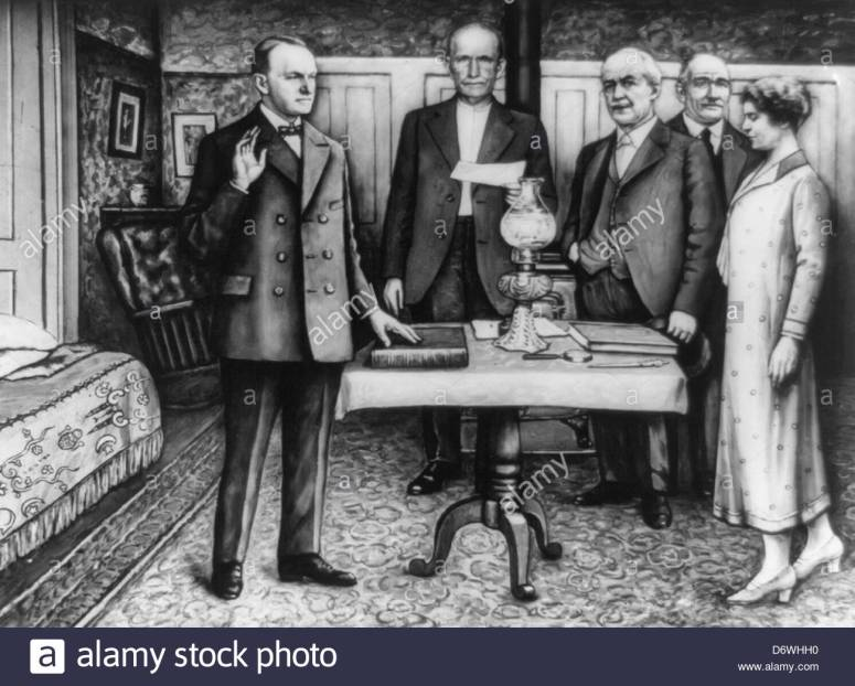 the-early-morning-inauguration-of-calvin-coolidge-on-august-3-1923-D6WHH0.jpg